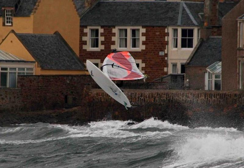 Elie windsurfing